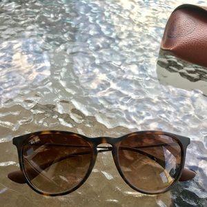 Erika Ray-ban sunglasses.